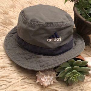 Unisex Adidas Bucket Hat-Gray